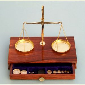 Engravable 200-Gram Capacity Balance Scale in Hardwood Case